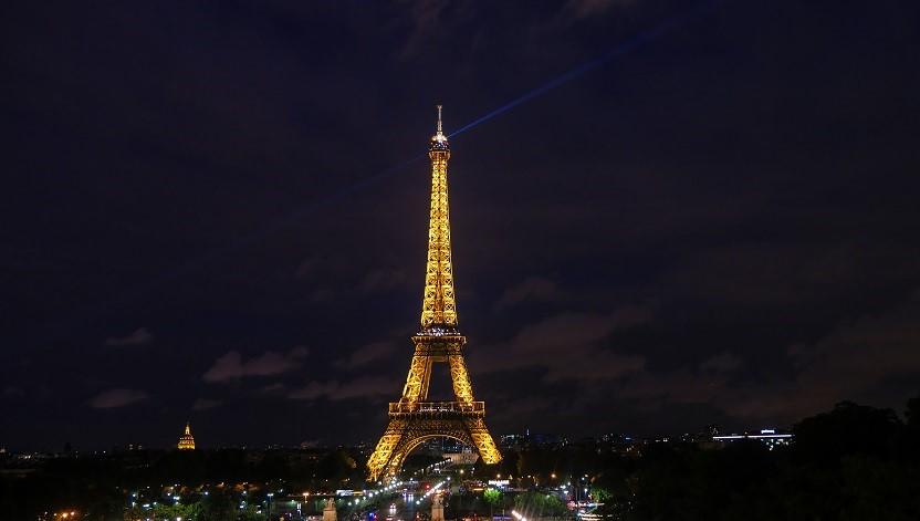 image de la tour eiffel avec optimisation au SEO